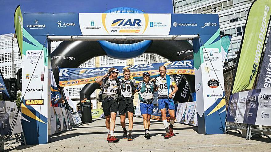 Los suecos Safat cruzan primeros la línea de meta en O Parrote