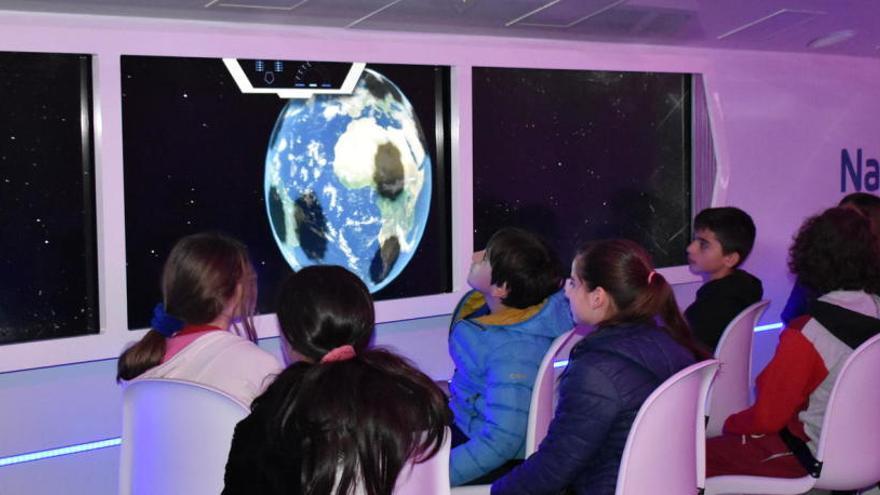 Manresa viatja virtualment a l'espai per conscienciar sobre els reptes mediambientals