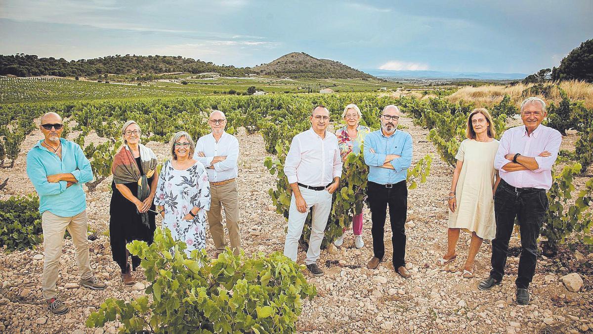 Los nueve hermanos de la empresa familiar Viñas Familia Gil, con una trayectoria centenaria, tomaron las riendas de la entidad en el año 2000.