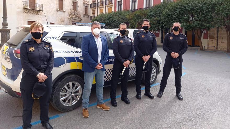 Los cuatro nuevos oficiales de la Policía Local de Villena toman posesión del cargo