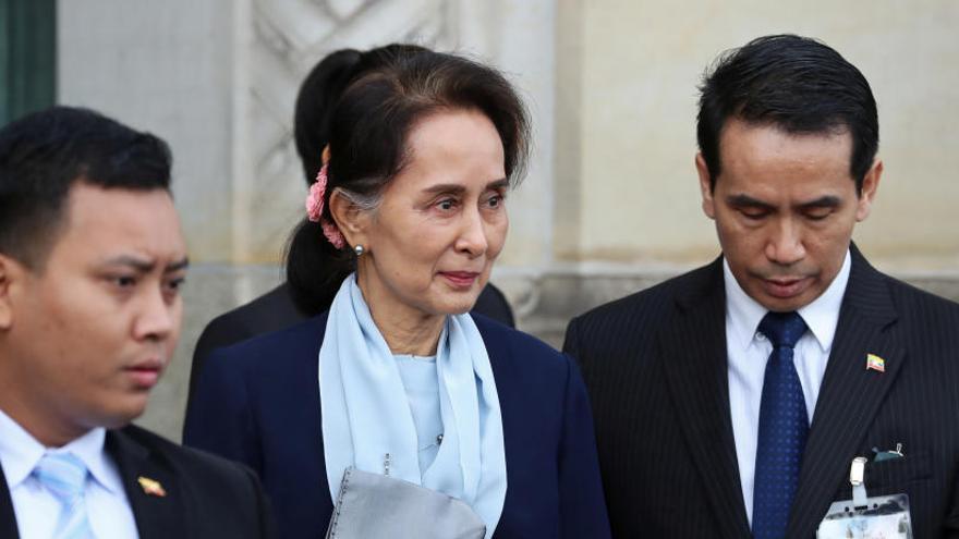La premio Nobel de la Paz Suu Kyi se enfrenta a la acusación de genocidio