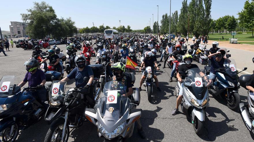 Concentración de motos para protestar por los peajes a las autovías