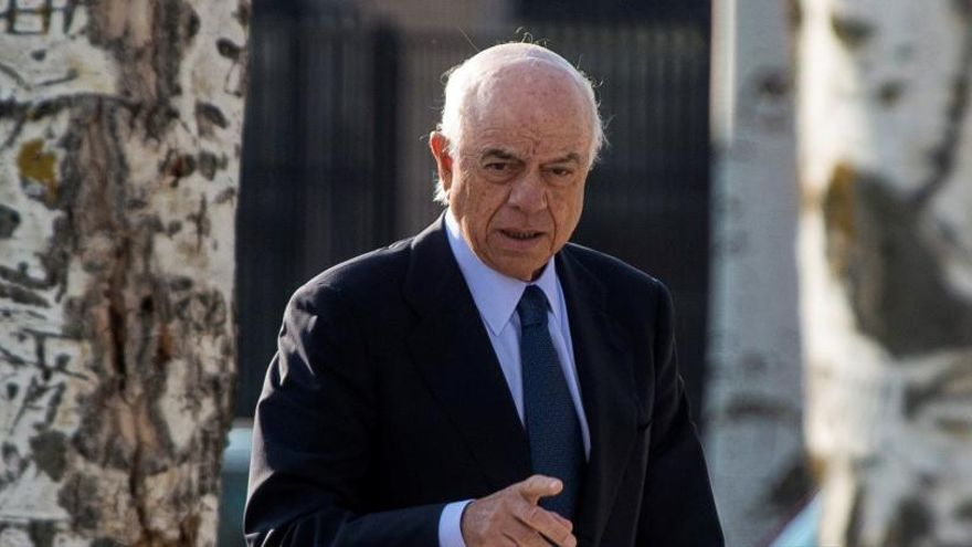 Anticorrupción pide imputar a Francisco González por los contratos con Villarejo