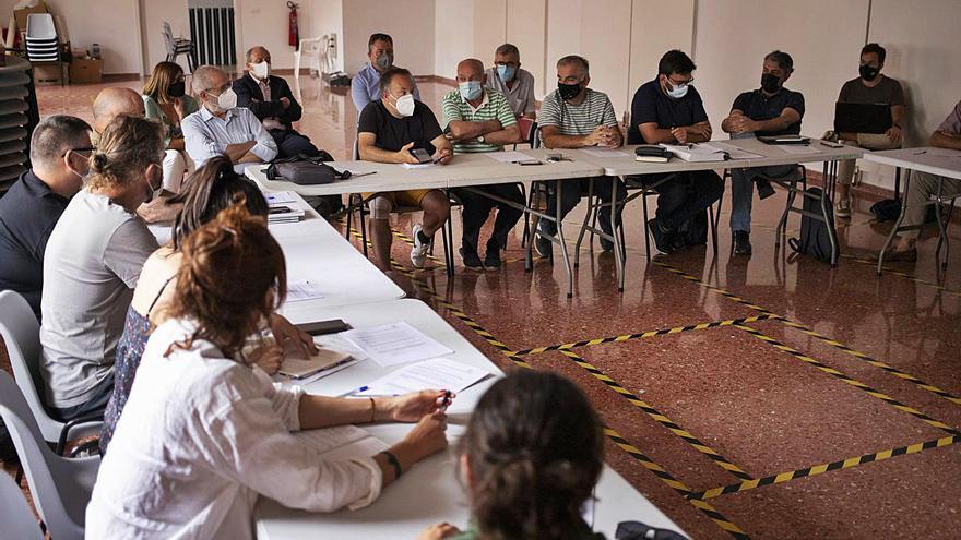 Bolbaite acoge dos talleres de protección del paisaje en plena polémica fotovoltaica