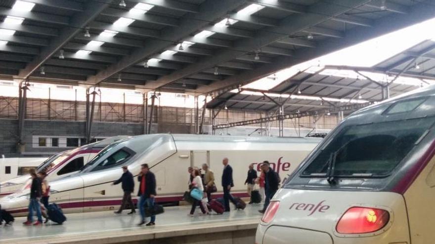 """""""Las deficientes comunicaciones abocan a Asturias al furgón de cola"""", alerta la FADE"""