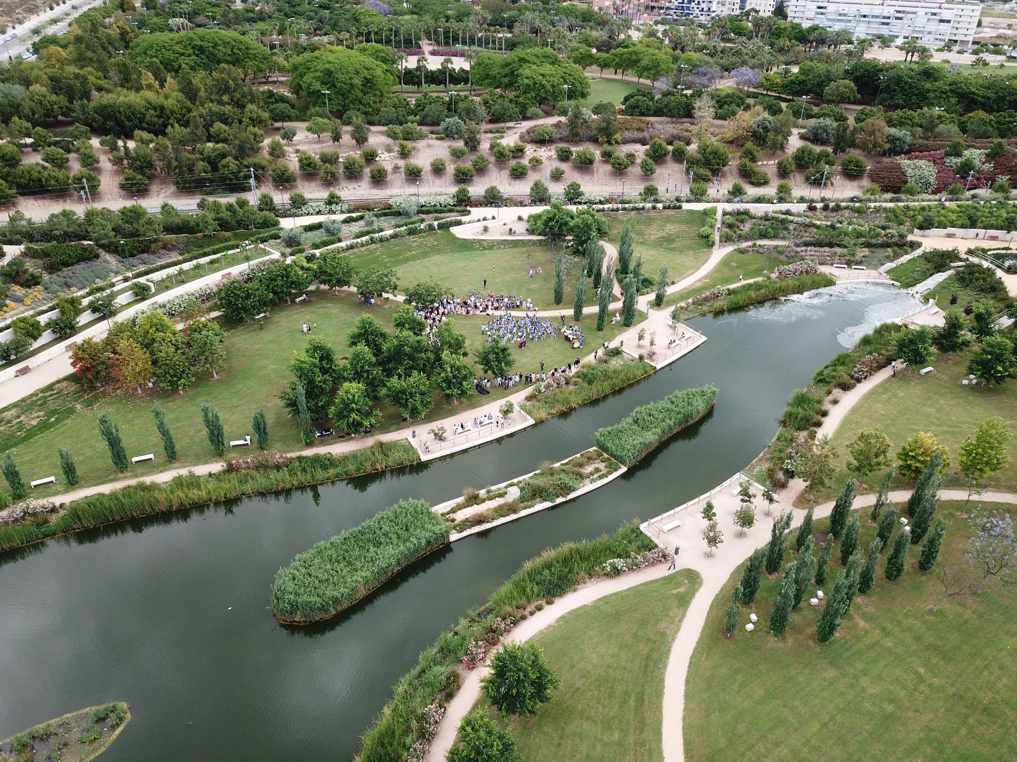 Cuenta además con el aliciente de ser el primer parque urbano inundable de España, por lo que sobran los motivos para visitarlo.