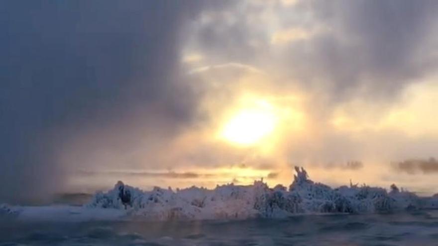 L'hivern glaça les cascades del Niàgara