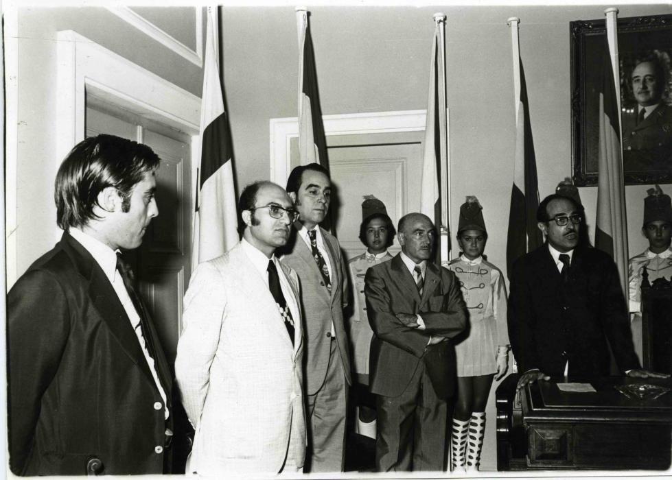 Rebuda dels participants en el primer Torneig Internacional d'Escacs Costa Brava a la sala de plens de l'Ajuntament, el 1973