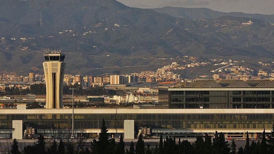 Investigan la aproximación entre dos vuelos en el aeropuerto de Málaga