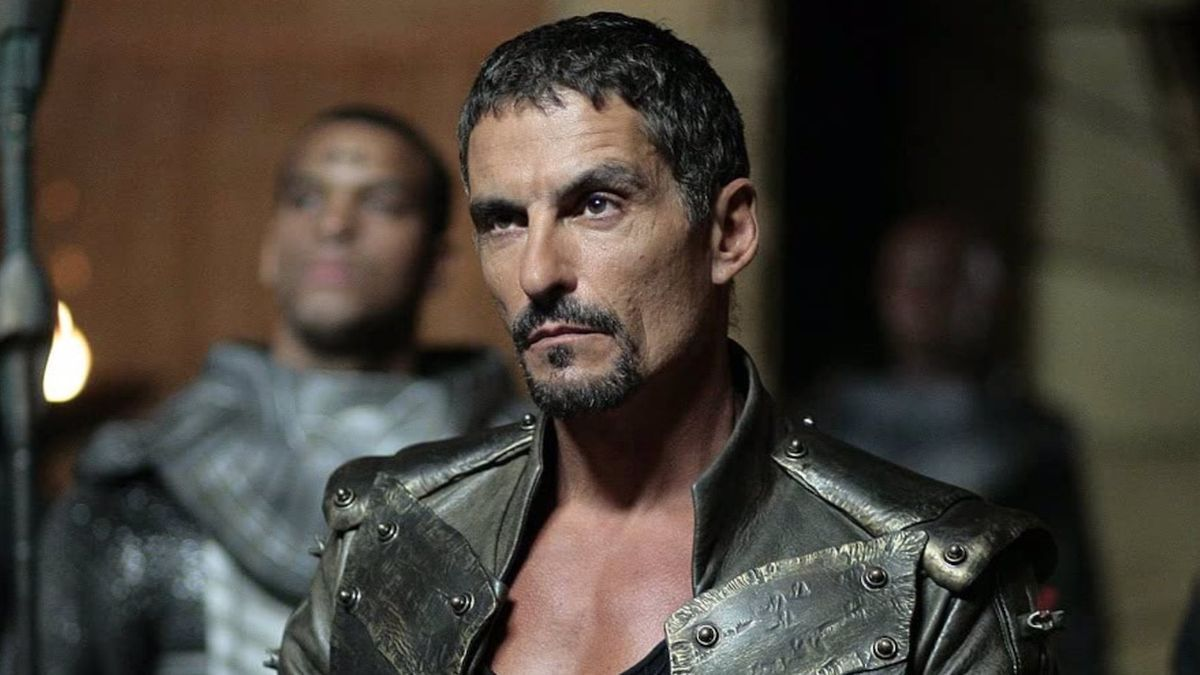 Cliff Simon played the villain in & # 039; Stargate & # 039 ;.