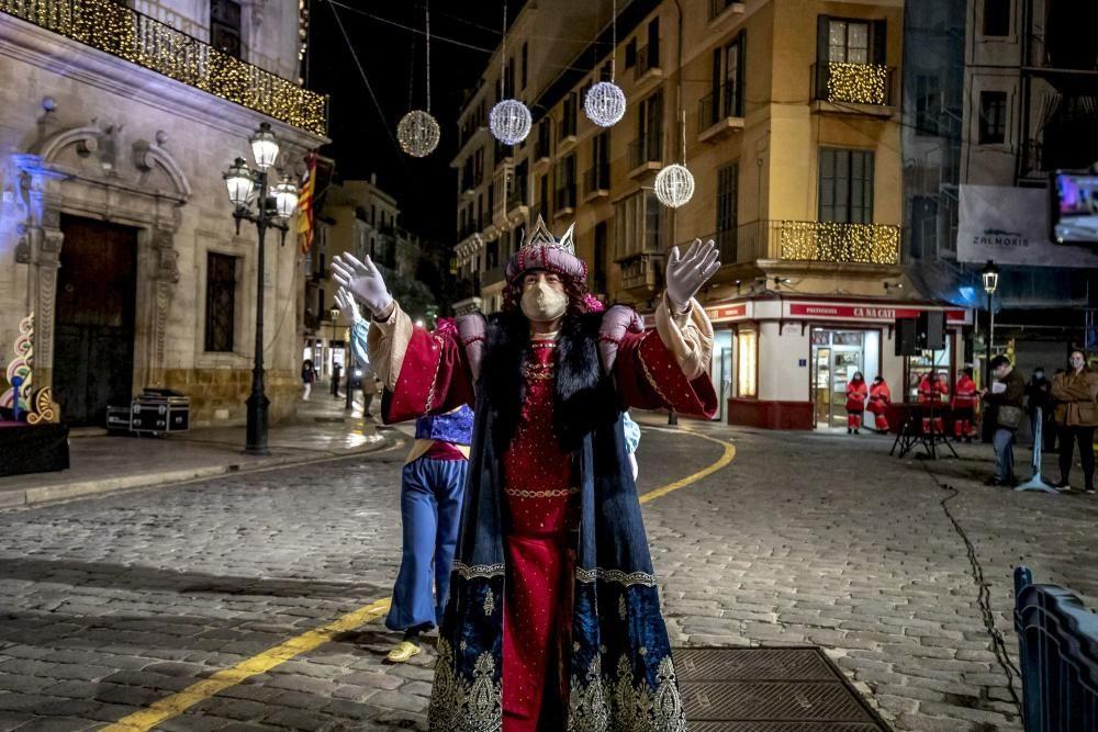 Mit Maske - die Heiligen Drei Könige auf Mallorca 2021