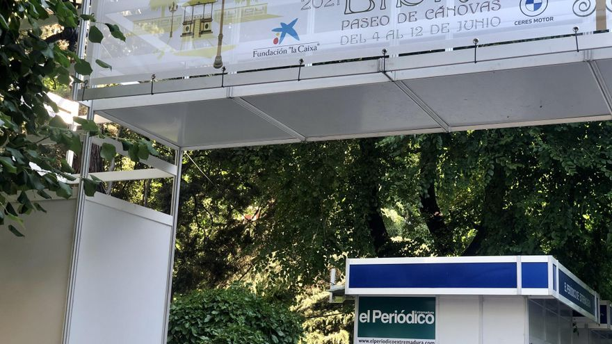 La edil Valdés destaca la afluencia a la Feria del Libro de Cáceres