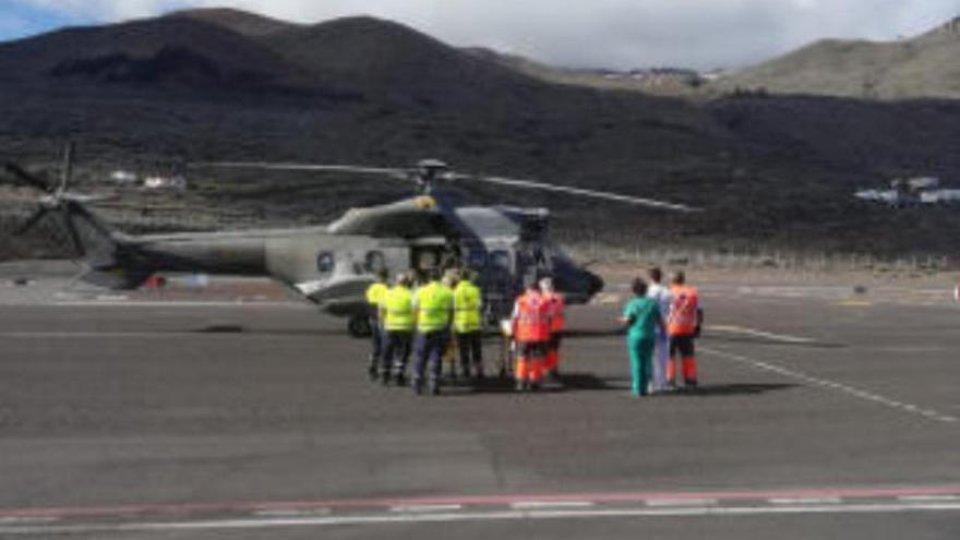 Trasladan a Gran Canaria y Tenerife a dos inmigrantes que llegaron a El Hierro