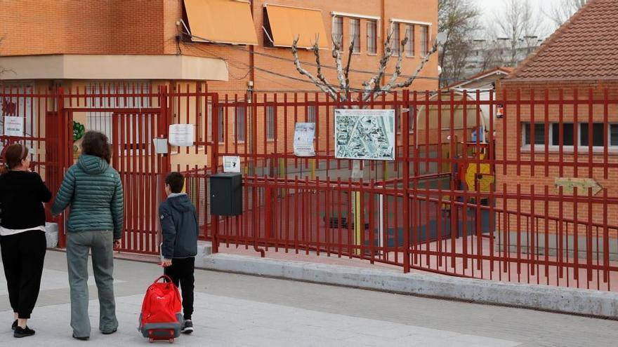 El Consejo Escolar se opone a alargar el curso a julio y sugiere no avanzar en temario