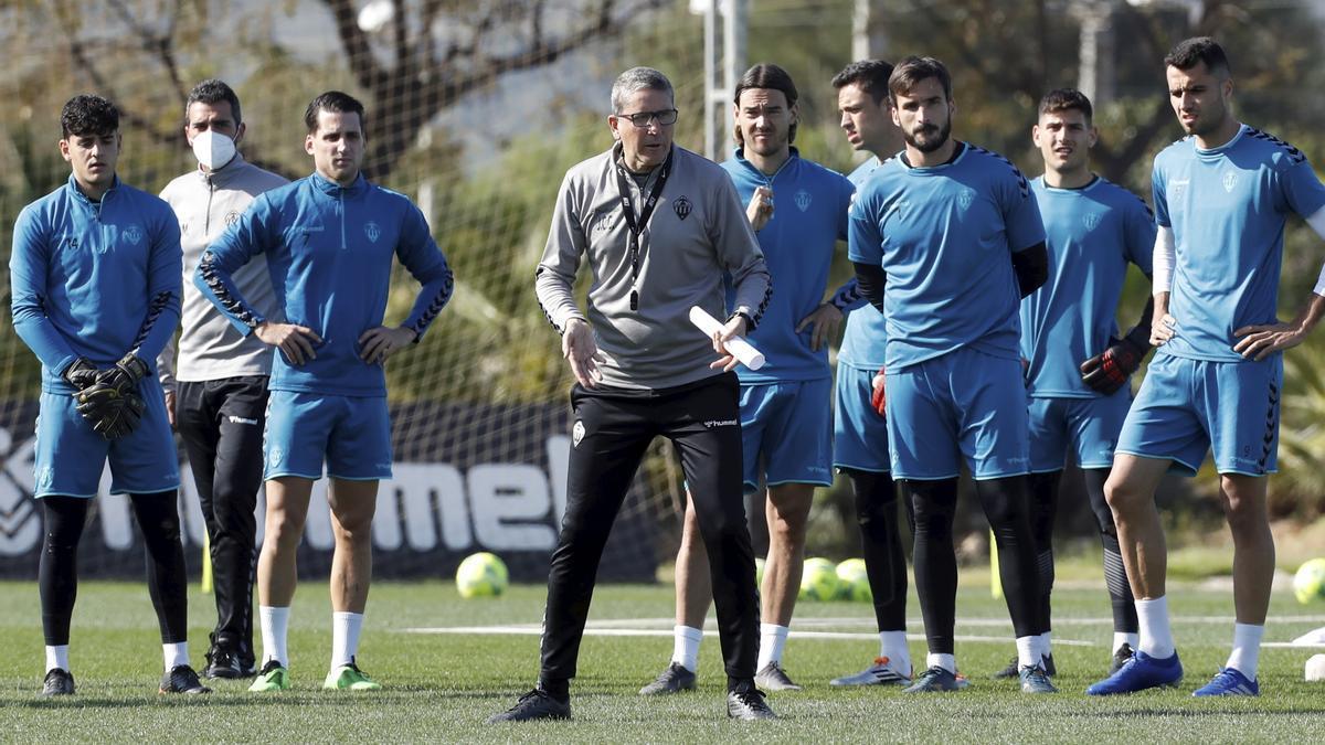 Juan Carlos Garrido, entrenador del CD Castellón.