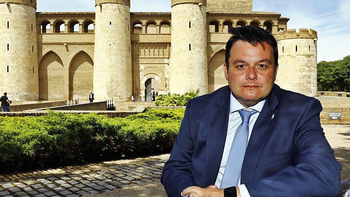 Víctor Francos, secretario de Estado de Política Territorial y Función Pública, en la Aljafería el pasado viernes.   JAIME GALINDO