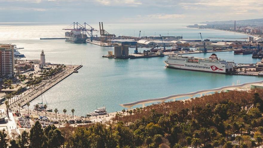 El puerto de Málaga moverá esta semana cerca de 50.000 toneladas de clínker y cemento