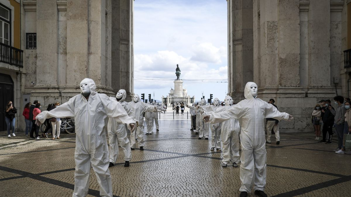 Una 'performance' artística en Lisboa
