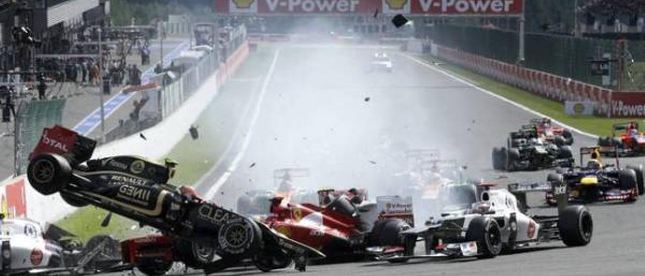 Fotogalería del choque múltiple en el Circuito de Spa