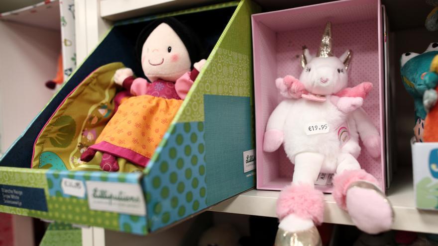 La Red Valenciana de Igualdad imparte un curso para evitar el uso sexista de los juguetes