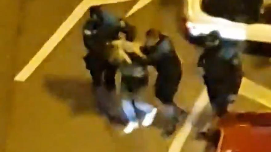 Un detenido tras saltarse el toque de queda y agredir a la Policía Local