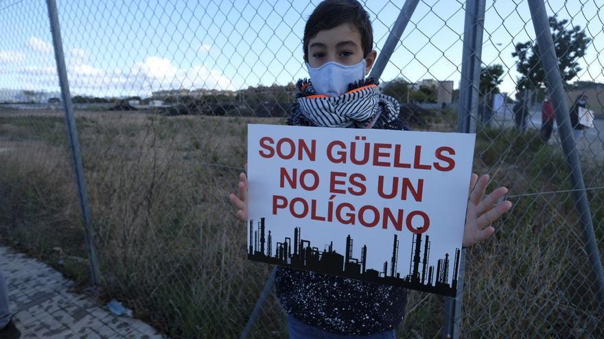 Más de un centenar de personas se concentran contra la hormigonera de Son Güells
