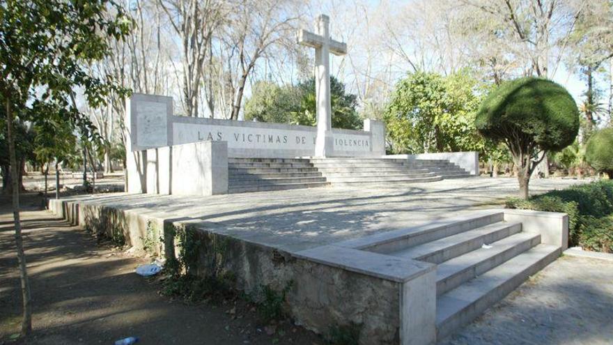 ¿Hay que mantener o retirar la Cruz de los Caídos del parque Ribalta?