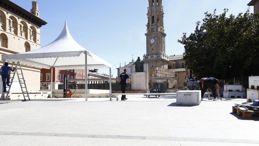 El escenario de la plaza del Pilar ya está montado
