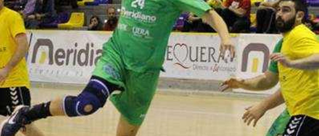 El Maristas Algemesí cae con contundencia ante un rival directo como el Antequera