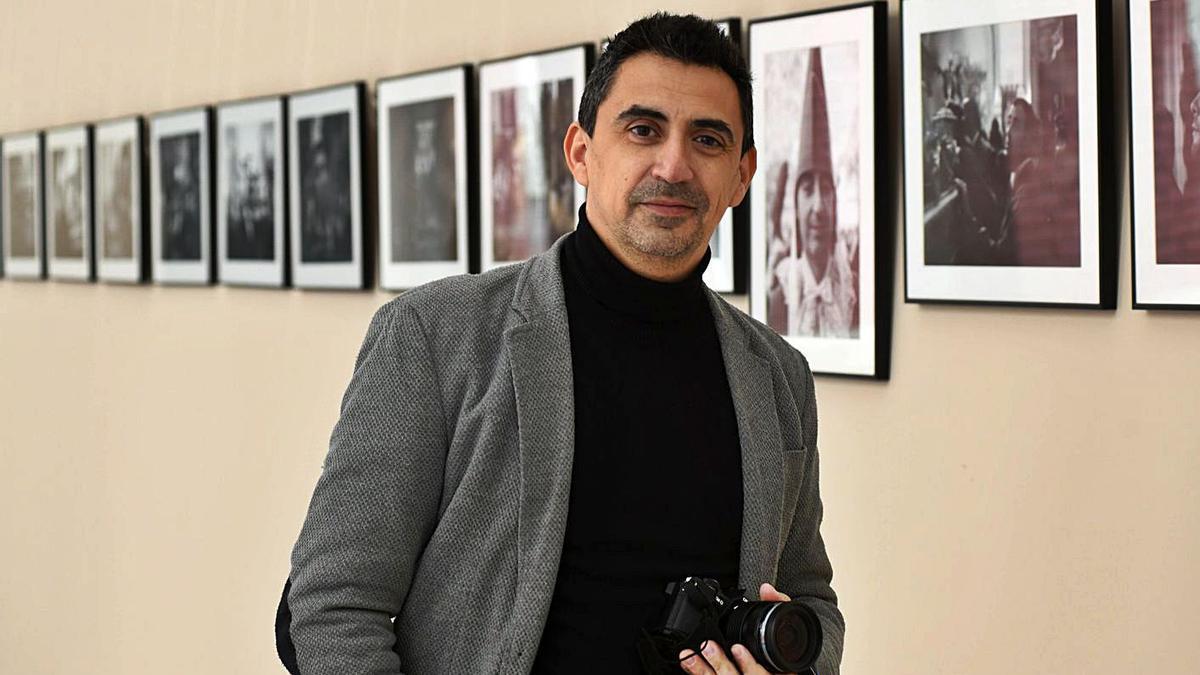 Exposición Rubén Juan Serna retrata a los nazarenos murcianos | ISRAEL SÁNCHEZ
