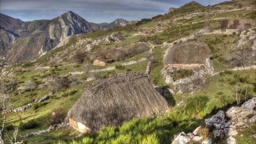 """Rutas por Asturias: Mumián, la braña asturiana donde se instalarían los hobbits de """"El Señor de los Anillos"""""""