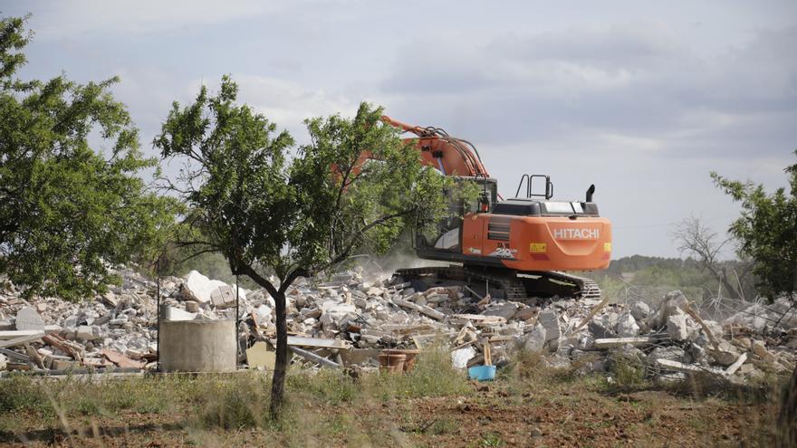 Gran despliegue policial por el derribo de una casa ilegal en Marratxí