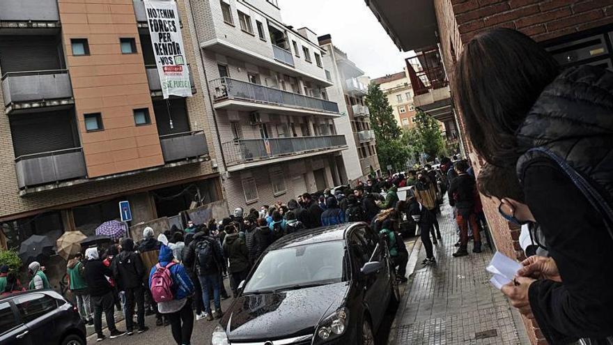 L'ocupació d'un bloc clou la manifestació a Manresa