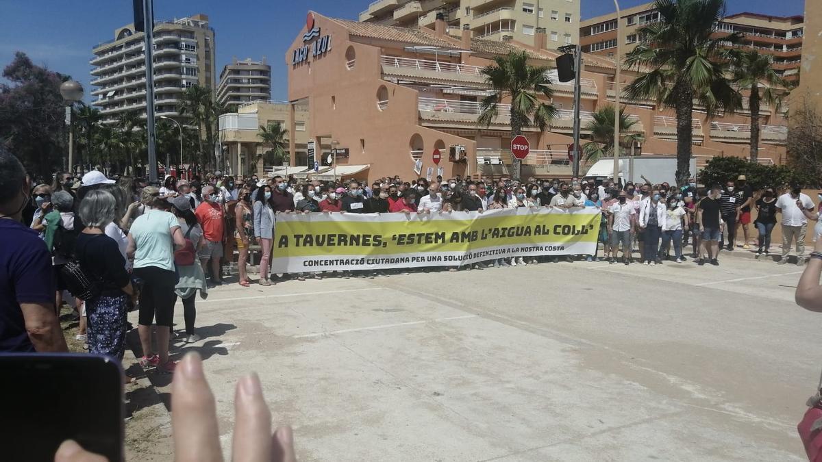Centenares de personas acuden a la manifestación contra la falta de soluciones a la regresión de la Goleta
