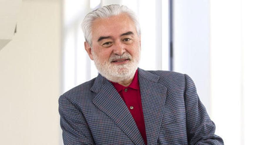 Oblicuidad | Un director de la RAE se confunde de «acerbo»
