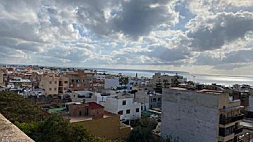 213.000 € Venta de piso en Molinar - Portitxol (Palma de Mallorca) 87 m2, 3 habitaciones, 1 baño, 2.448 €/m2...
