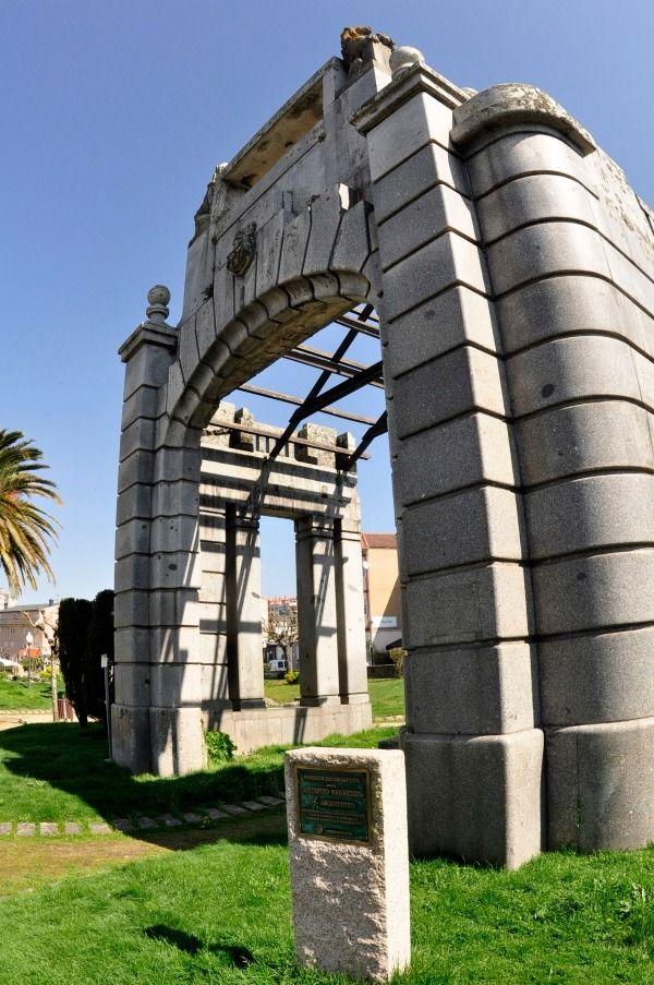 Templete original en la actualidad  en su ubicación actual, en el Parque Campo da Feira de O Porriño.