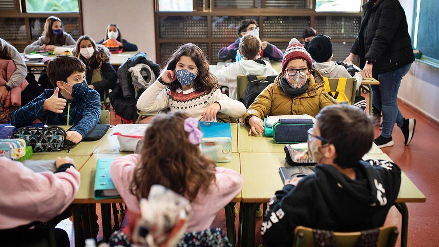 El segundo curso escolar de la crisis pretende llevar la normalidad a las aulas