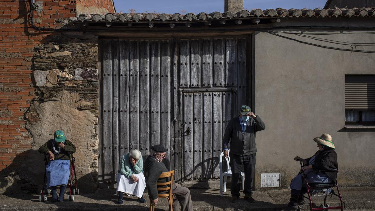 Vecinos de Palacios del Pan en una imagen de archivo.