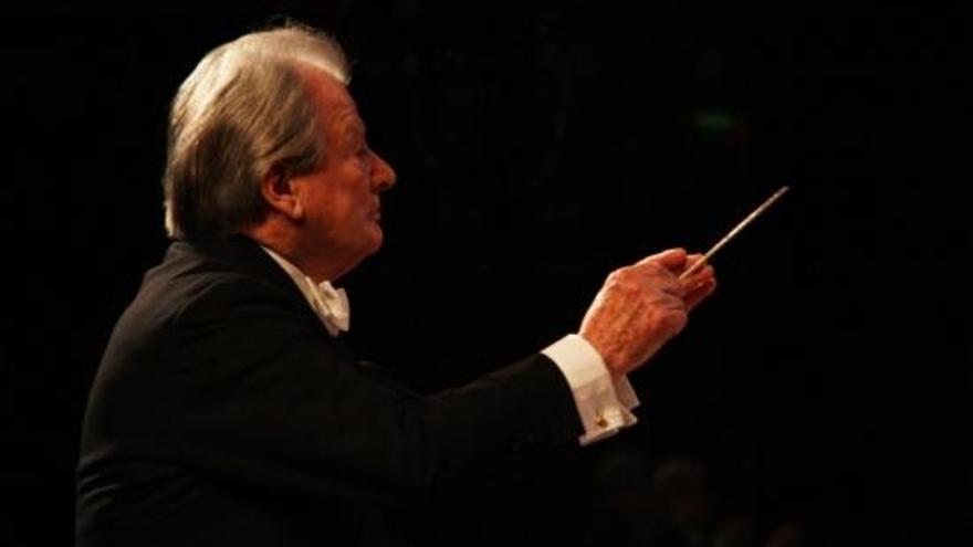Mor el director d'orquestra Neville Marriner als 92 anys