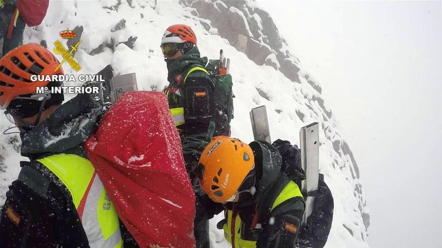 Rescatados los cadáveres de los montañeros fallecidos