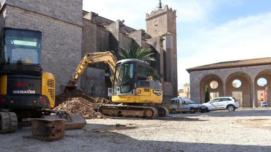 Castelló rehabilita l'esplanada de la cara nord de la Basílica