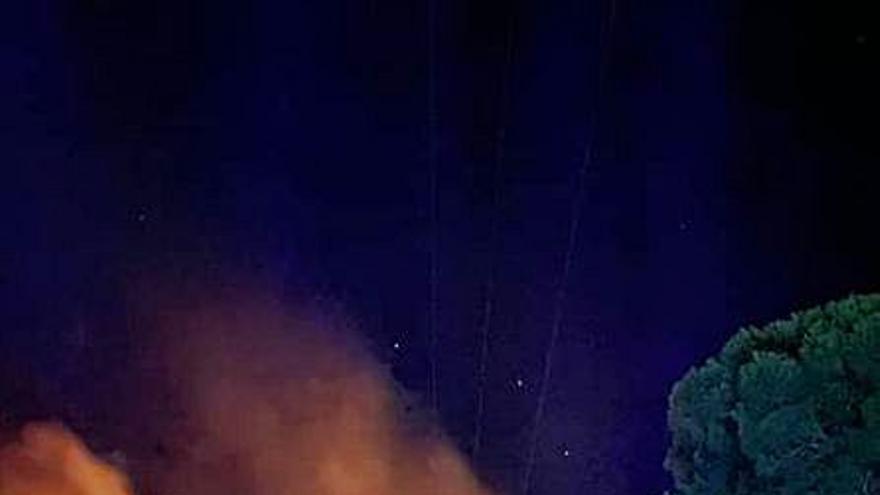 Les avaries en línies elèctriques van causar divuit incendis l'estiu passat