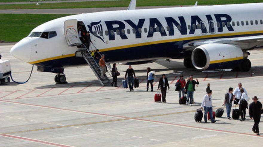 Els bitllets d'avió, un 47% més barats en comparació a l'estiu del 2019