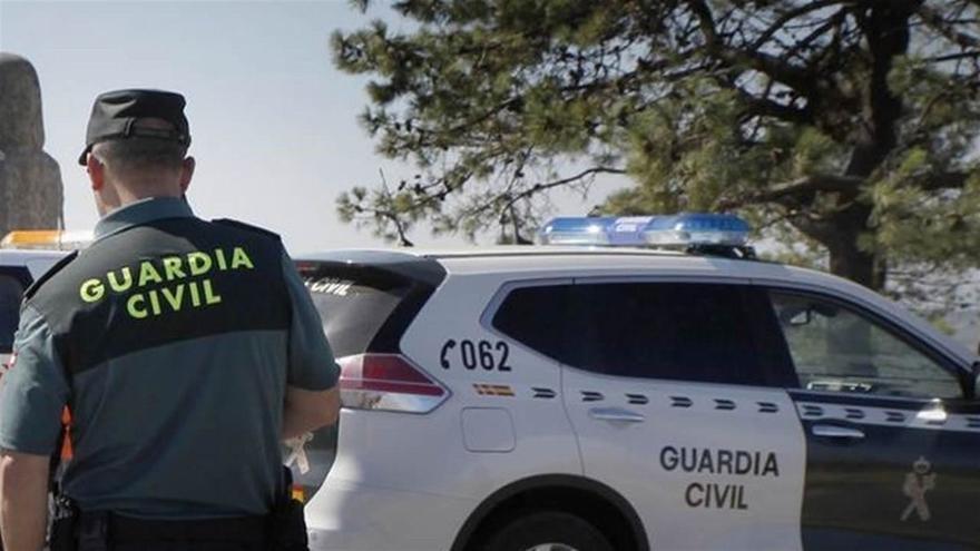 Una mujer y dos menores heridos tras derrumbarse un balcón en Ávila