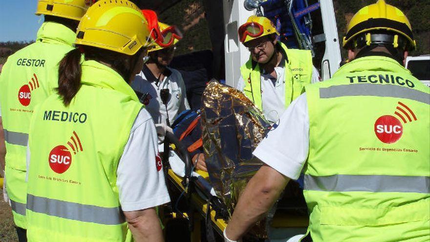 Tres heridos al chocar un coche contra un muro en La Gomera