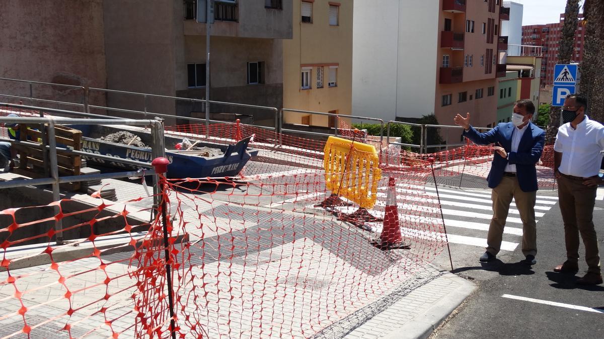 Santa Cruz mejora la seguridad en la calle Rumberos con una inversión de 90.000 euros