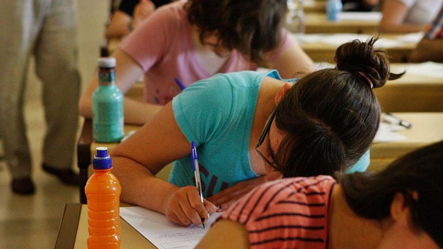 Miles de universitarios de Castilla y León, en contra de los exámenes presenciales