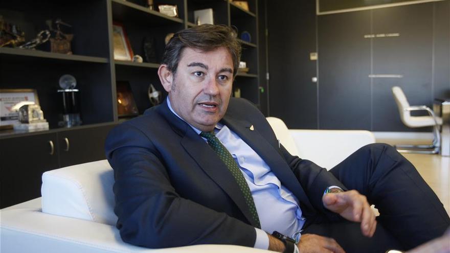 González Calvo se reúne con Minoritarios