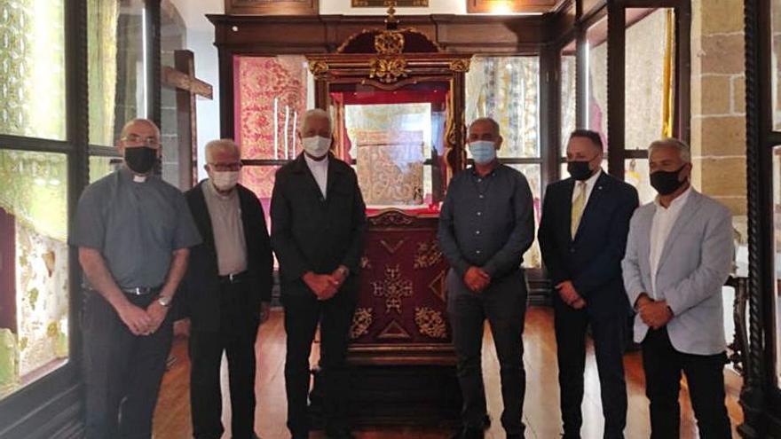El Museo de arte sacro abre con obras del XVIII y XIX y vestimentas del Pino